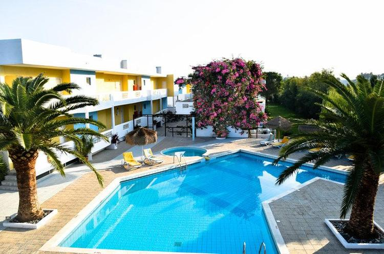 Zájezd Golden Star Hotel Apartments *** - Kos / Tigaki - Bazén