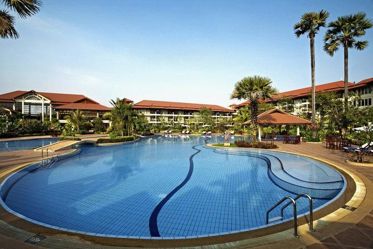 Zájezd Angkor Palace Resort and Spa ***** - Kambodža / Siem Reap - Bazén